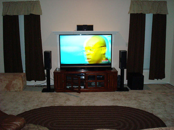 Home theater 2 1 setup design and ideas for Home theater setup ideas