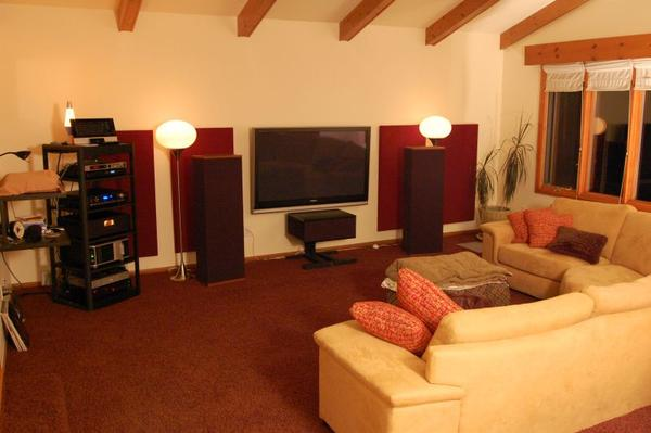 Home theater living room setup design and ideas for Living room setups for apartments