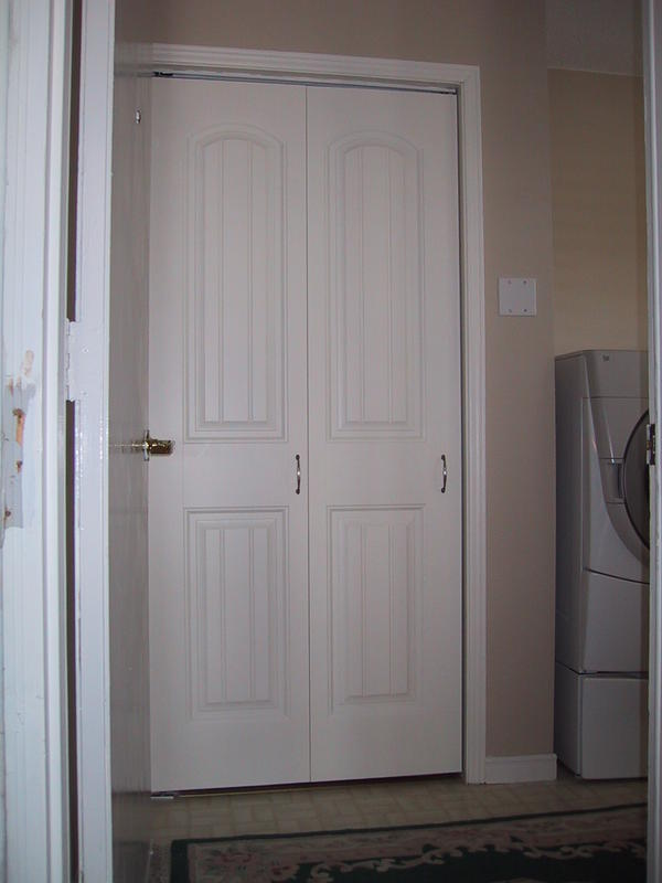 Folding Doors For Laundry Room : Laundry room accordion doors design and ideas